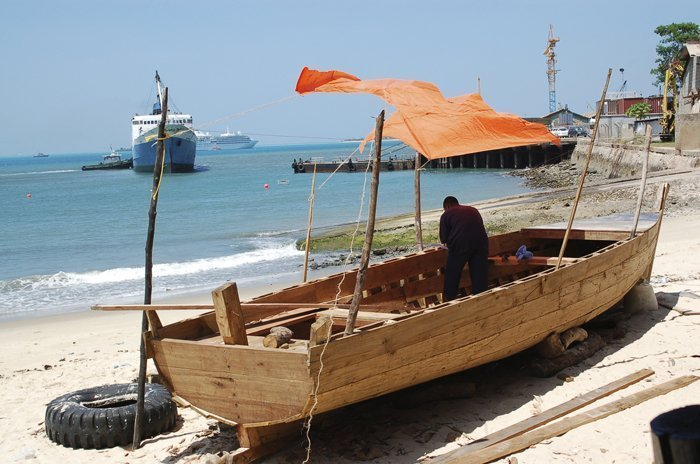 Building a dhow